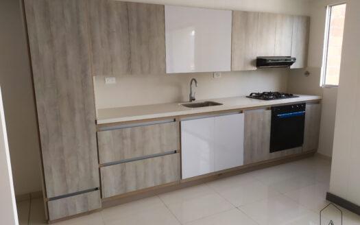 En 𝐯𝐞𝐧𝐭𝐚 apartamento en Aldea del Sur, La Estrella, de 𝟔𝟎 𝐦𝐭𝟐, distribuidos en: 𝐬𝐚𝐥𝐚 𝐜𝐨𝐦𝐞𝐝𝐨𝐫, 𝐝𝐨𝐬 𝐛𝐚𝐥𝐜𝐨𝐧𝐞𝐬, 𝐜𝐨𝐜𝐢𝐧𝐚 𝐝𝐞 𝐥𝐮𝐣𝐨 𝐜𝐨𝐧 𝐡𝐨𝐫𝐧𝐨, 𝐜𝐮𝐛𝐢𝐞𝐫𝐭𝐚 𝐲 𝐞𝐱𝐭𝐫𝐚𝐜𝐭𝐨𝐫, 𝐝𝐨𝐬 𝐡𝐚𝐛𝐢𝐭𝐚𝐜𝐢𝐨𝐧𝐞𝐬 𝐜𝐨𝐧 𝐜𝐥𝐨𝐬𝐞𝐭, 𝐞𝐬𝐭𝐮𝐝𝐢𝐨, 𝐳𝐨𝐧𝐚 𝐝𝐞 𝐫𝐨𝐩𝐚𝐬 𝐜𝐨𝐧 𝐜𝐚𝐥𝐞𝐧𝐭𝐚𝐝𝐨𝐫, 𝐜𝐮𝐚𝐫𝐭𝐨 𝐮́𝐭𝐢𝐥 y 𝐩𝐚𝐫𝐪𝐮𝐞𝐚𝐝𝐞𝐫𝐨 𝐜𝐮𝐛𝐢𝐞𝐫𝐭𝐨.