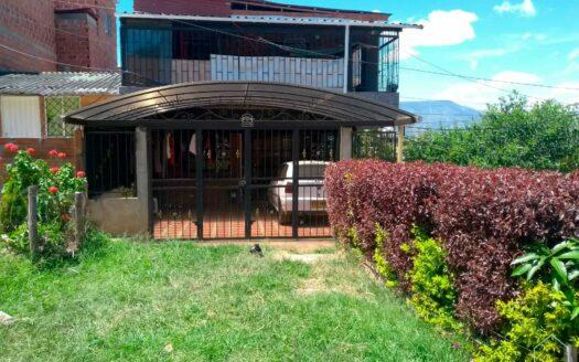 Casa unifamiliar en Villa Linda